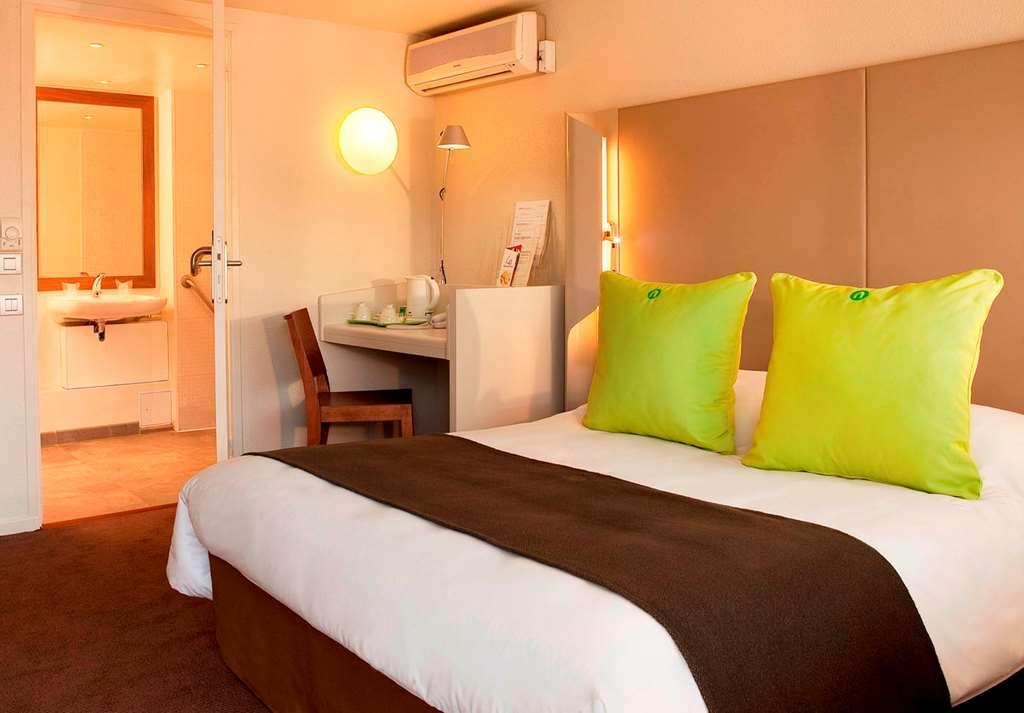 hotel campanile brie comte robert hotel restaurant. Black Bedroom Furniture Sets. Home Design Ideas