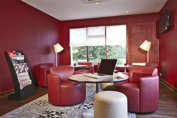 Hotel Campanile Chanas