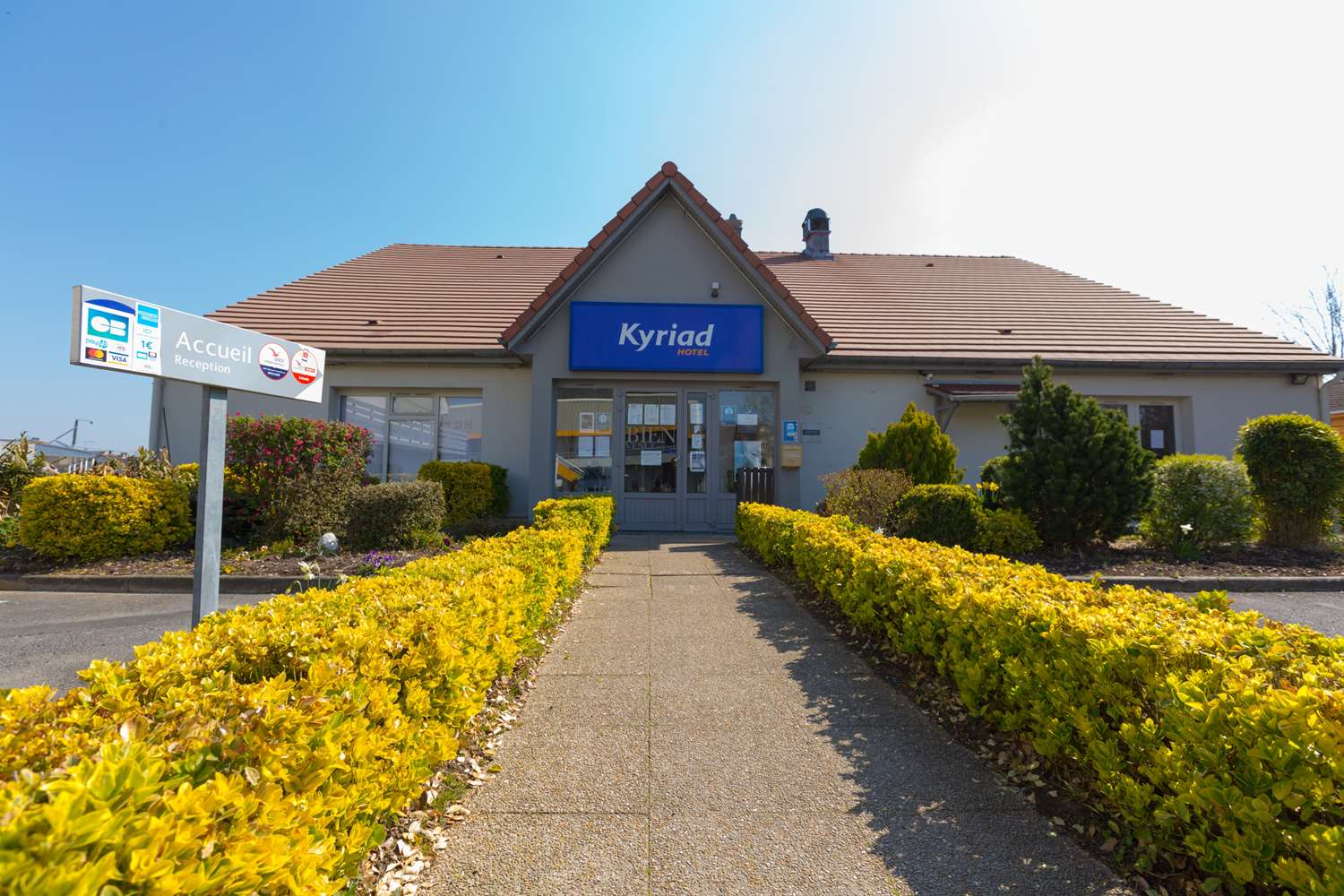 HOTEL KYRIAD CHANTILLY SUD - Luzarches