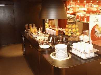 贡比涅康铂酒店