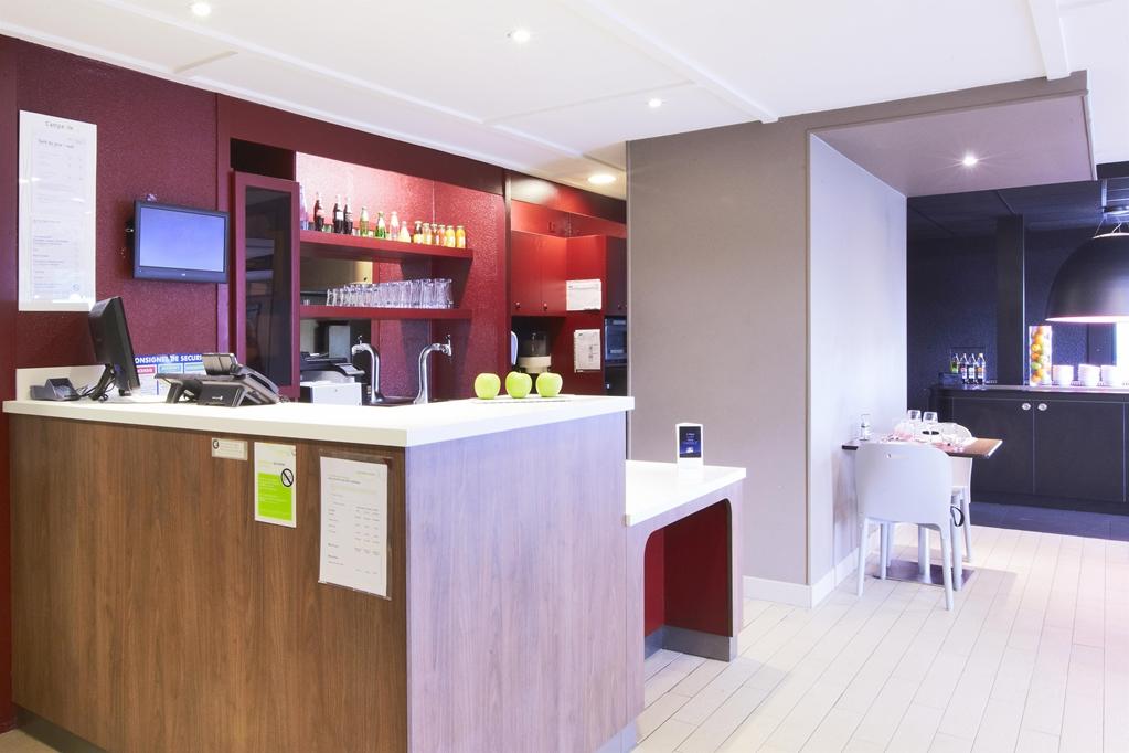 campanile dijon est saint apollinaire campanile. Black Bedroom Furniture Sets. Home Design Ideas