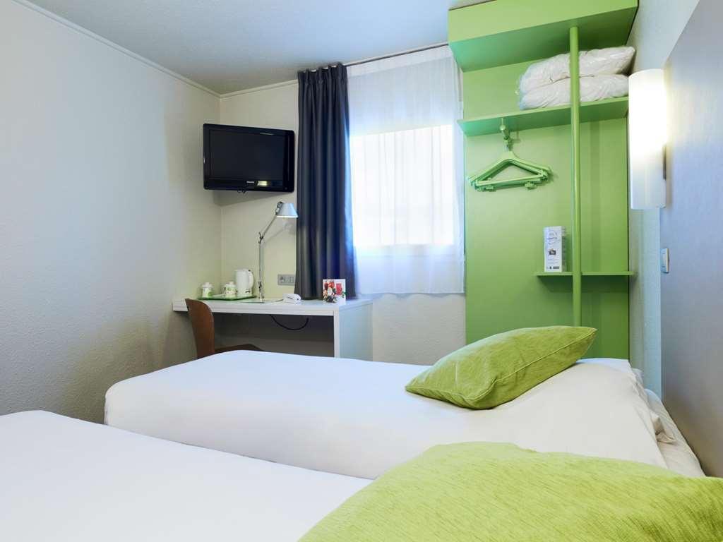 hotel campanile dijon est saint apollinaire reserve en campanile. Black Bedroom Furniture Sets. Home Design Ideas