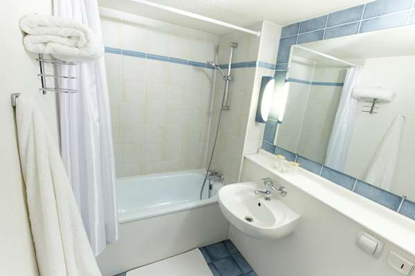 Hôtel HOTEL CAMPANILE DUNKERQUE EST - Armbouts Cappel - Chambre Standard