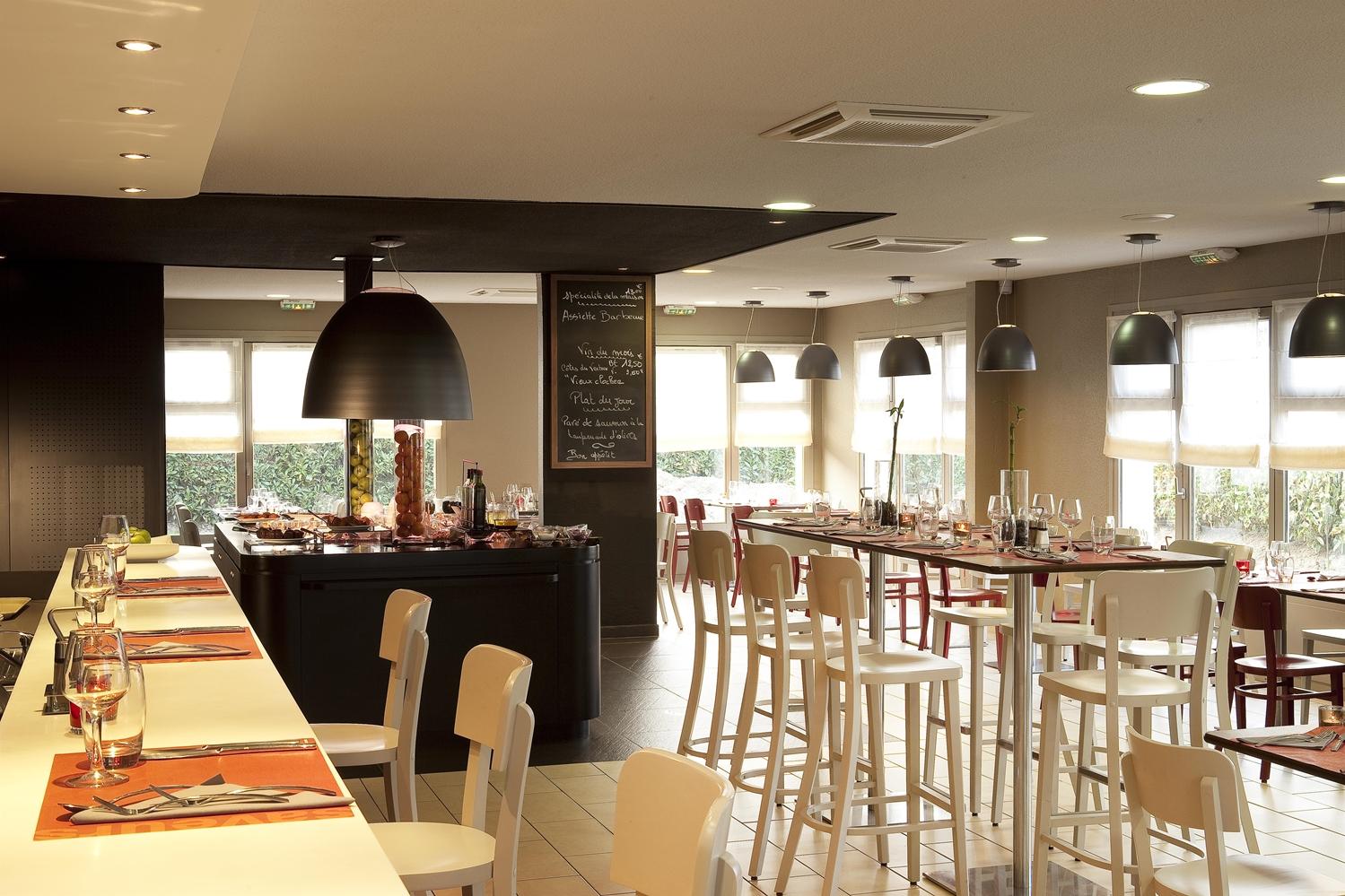 Restaurant - Hotel Campanile Epone