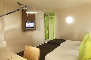 Hotel Campanile Epône