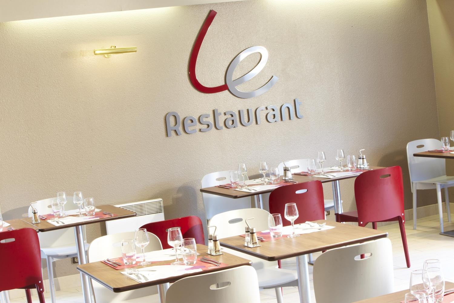 Restaurant - Hotel Campanile Honfleur - La Rivière Saint Sauveur