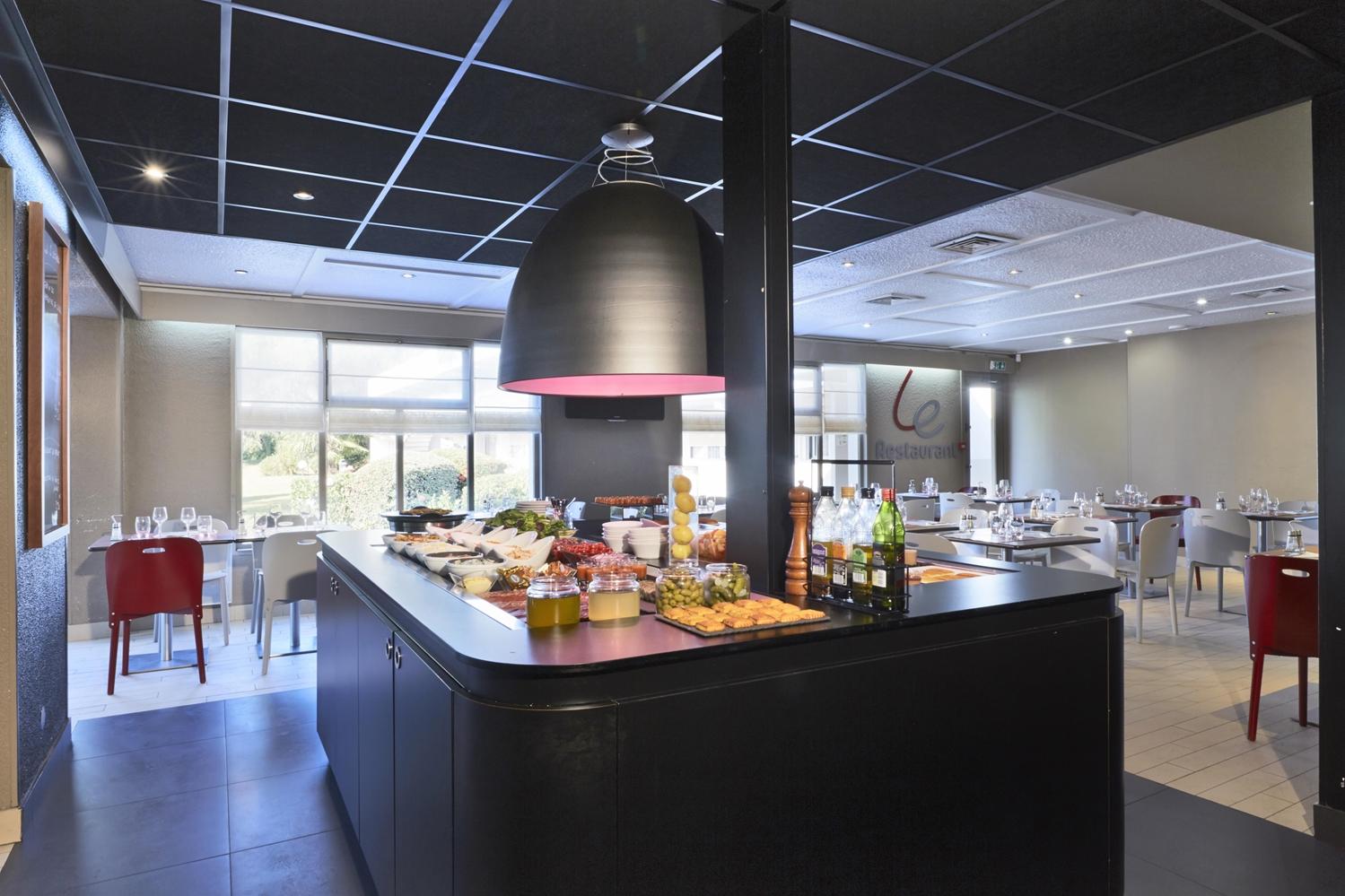 Restaurant - Hotel Campanile Lyon Nord - Ecully