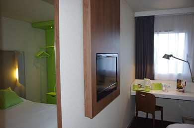 里昂西部 - 塔桑康铂酒店