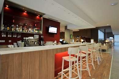 马拉加机场康铂酒店