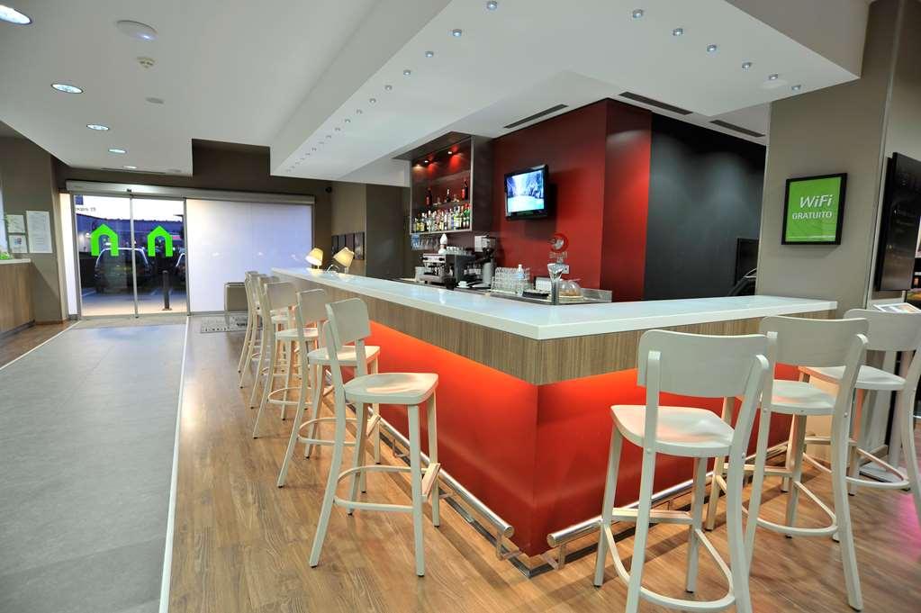 Hotel CAMPANILE MALAGA AIRPORT - Hotel restaurant - Campanile