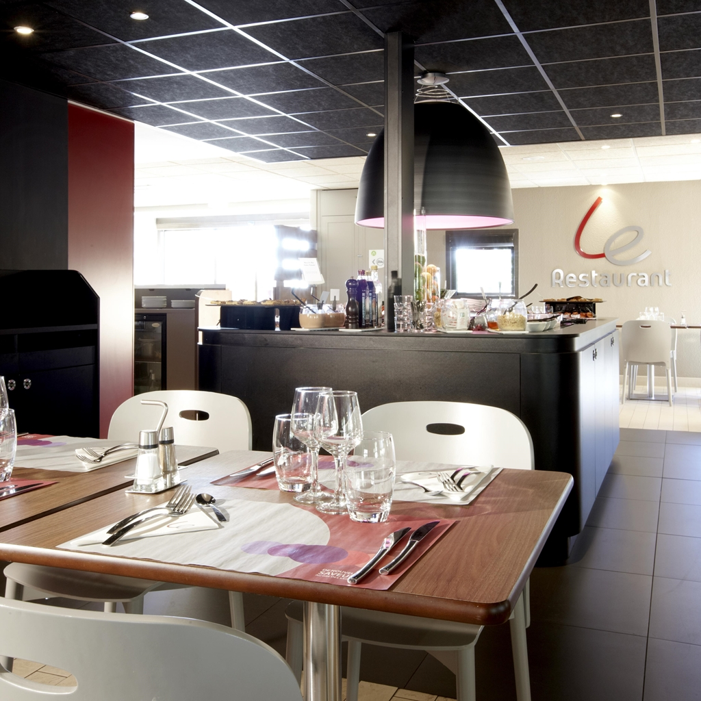 H U00f4tel Restaurant Campanile Marseille
