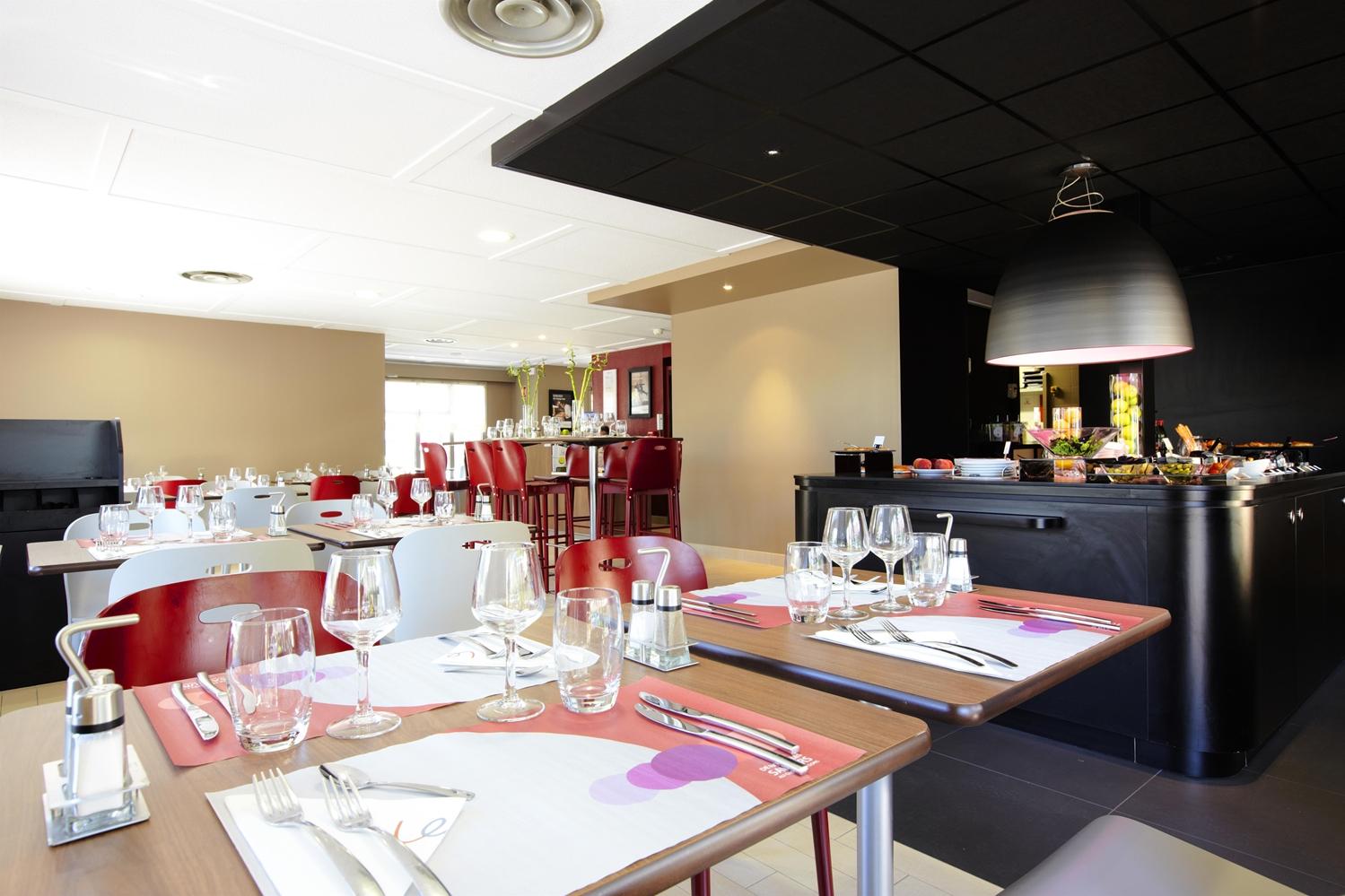 Restaurant - Hotel Kyriad Direct Marseille Ouest - Martigues