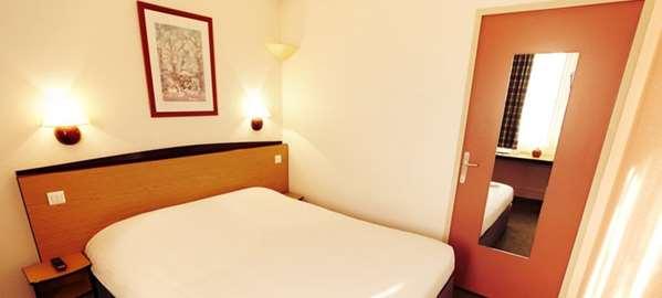 Hotel CAMPANILE MOULINS - Avermes - Standard Room