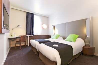 Hotel Campanile Nice Aéroport