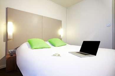 Hotel CAMPANILE NICE - Aéroport