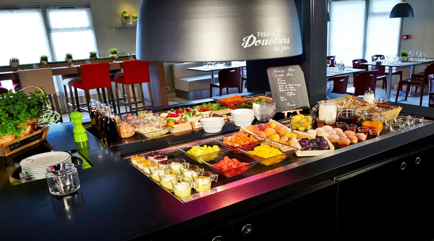 Restaurant - Hotel Campanile Nimes Centre - Mas Carbonnel