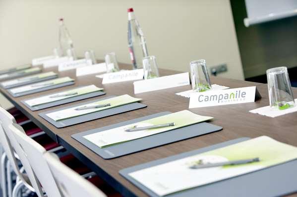 CAMPANILE PARIS XIX - La Villette