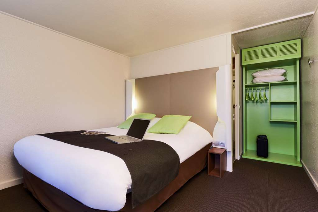 campanile poitiers site du futuroscope campanile. Black Bedroom Furniture Sets. Home Design Ideas