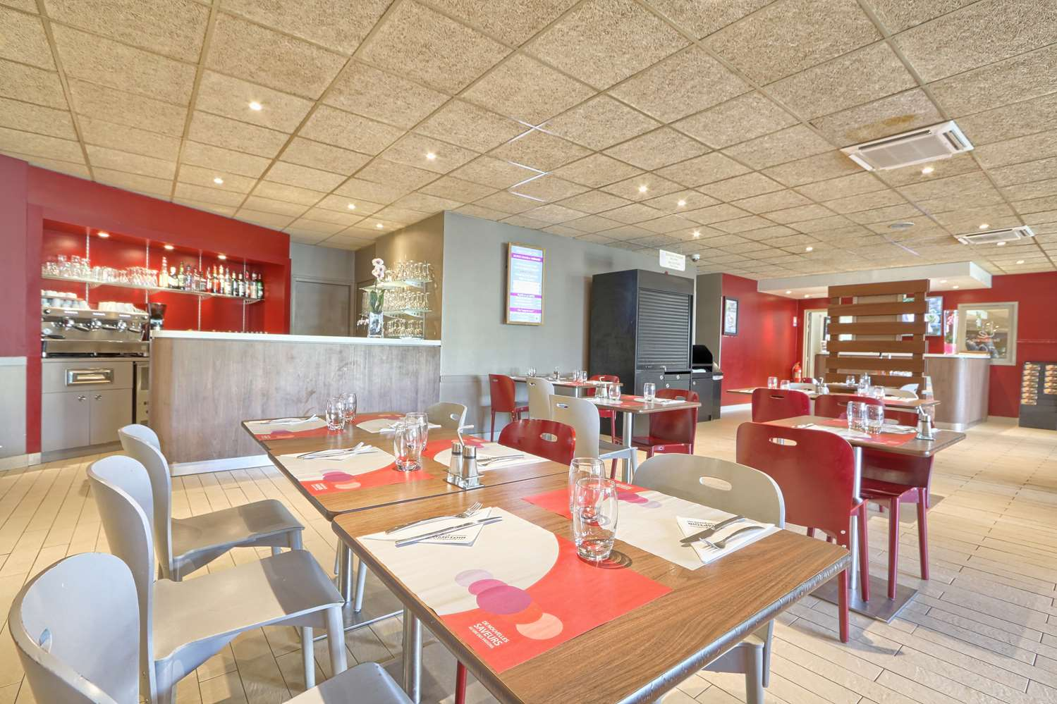 Restaurant - Hotel Campanile Roissy