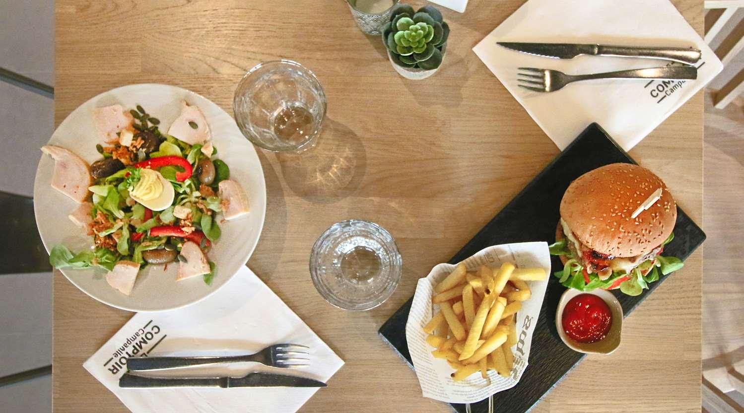 Restaurant - Hotel Campanile Roissy - Saint Witz