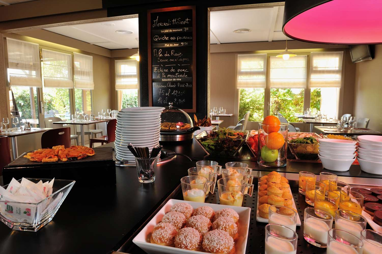 Restaurant - Hotel Campanile Saint Etienne Est - Saint Chamond