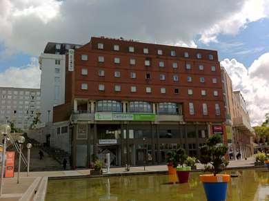 Hôtel CAMPANILE SAINT QUENTIN EN YVELINES