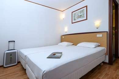 芬洛康铂酒店
