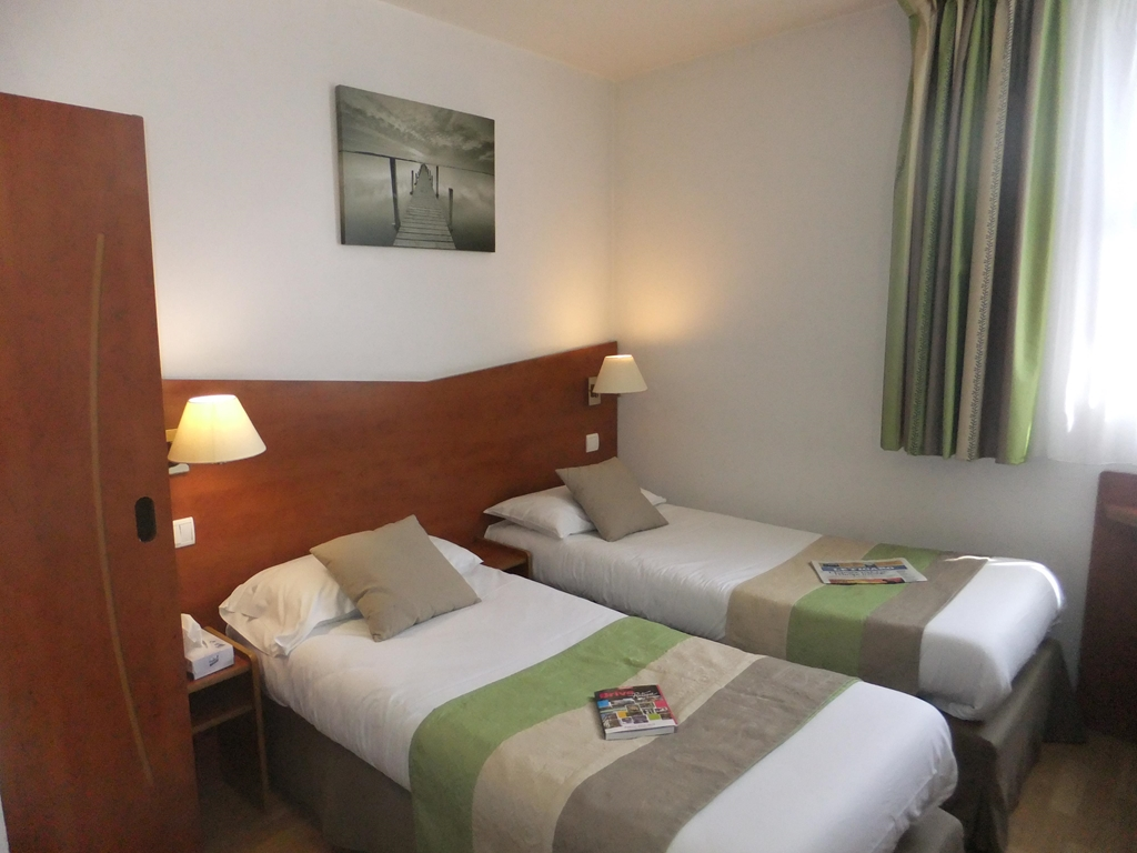 kyriad brive la gaillarde centre comfort hotel kyriad. Black Bedroom Furniture Sets. Home Design Ideas