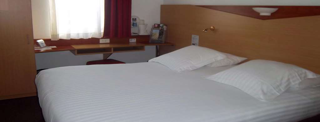 Hotel Kyriad Cannes Ouest - Mandelieu