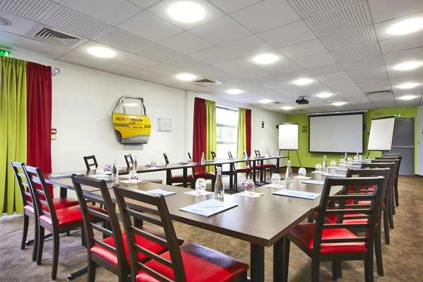 Hotel Kyriad Design Enzo Metz Sud - Augny