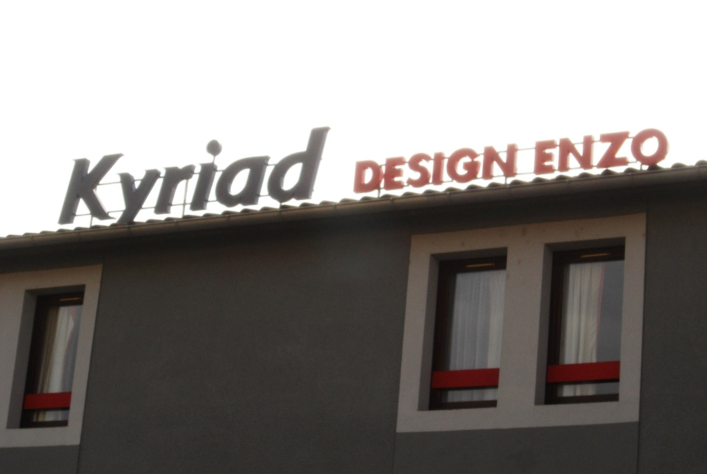 KYRIAD Design ENZO PONT A MOUSSON