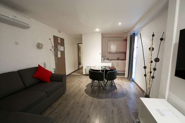 Hotel KYRIAD DIJON SUD - Longvic