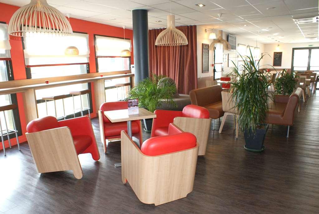 Hotel Kyriad Douai - Dechy