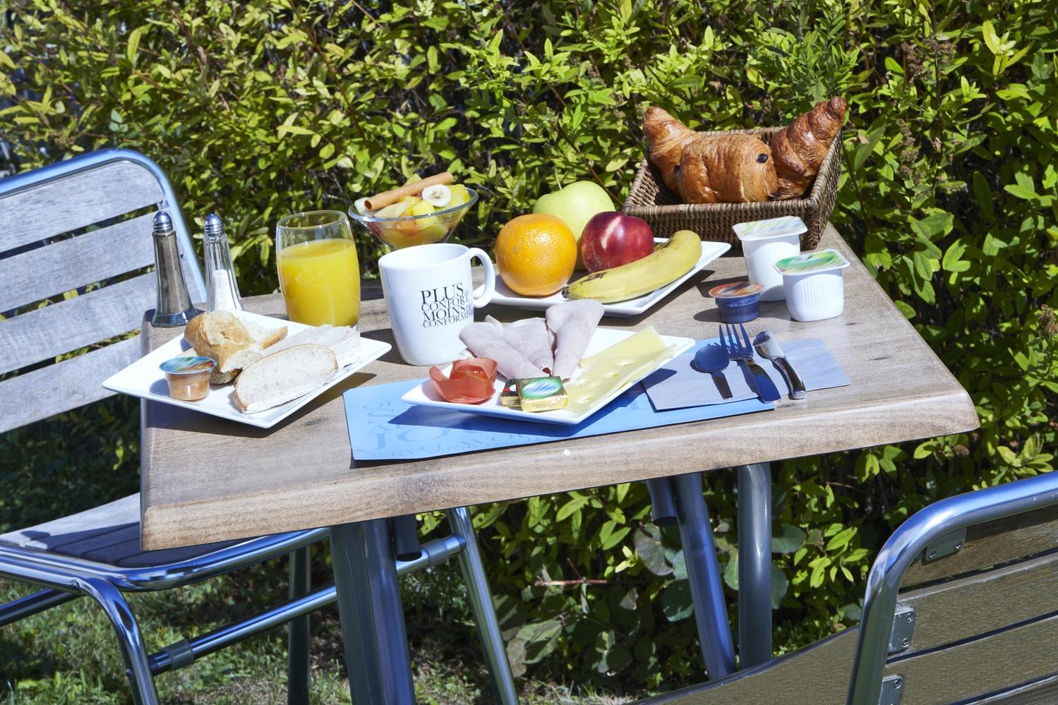 Restaurant - Hotel Kyriad Geneve - Saint Genis Pouilly