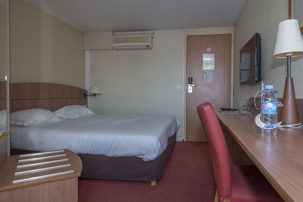 Hotel Kyriad Geneve - Saint Genis Pouilly