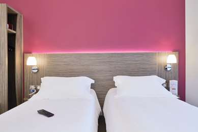 KYRIAD HOTEL SAINT CHELY D'APCHER - Aire de la Lozère