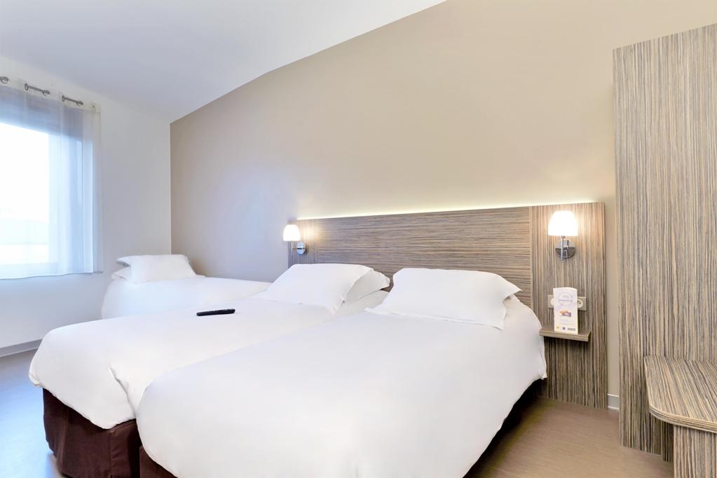 Hotel KYRIAD SAINT CHELY D'APCHER - Aire de la Lozère