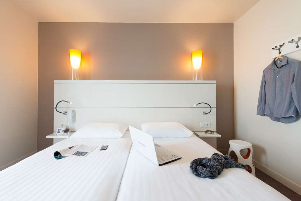 Kyriad Hotel La Rochelle Centre - Les Minimes