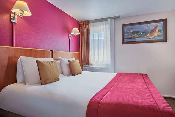 Hôtel KYRIAD LES ULIS - Chambre Grand Lit + 1 Lit Simple