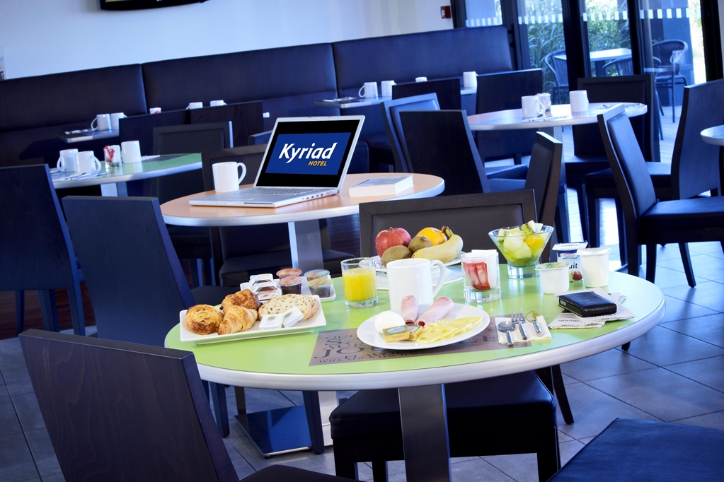 Kyriad Hotel Marseille Provence - Airport
