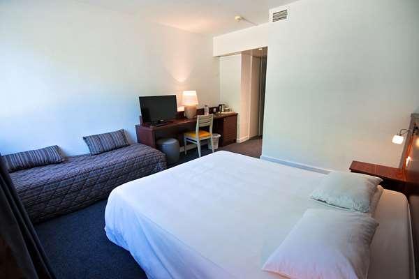Hotel HOTEL KYRIAD NEMOURS - Superior Room