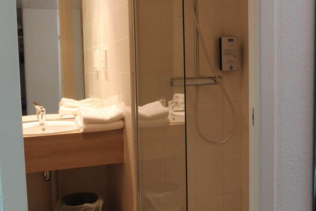 Hotel Kyriad Nemours
