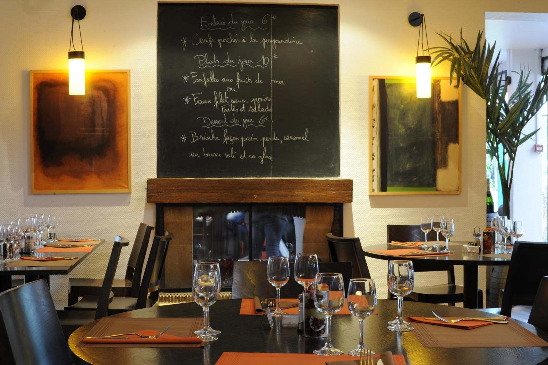 Restaurant - Hôtel Kyriad Reims Est - Parc Des Expositions