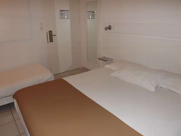 Hotel Kyriad Saintes