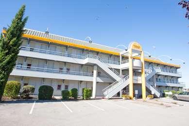 Hôtel PREMIERE CLASSE DIJON NORD - Zénith