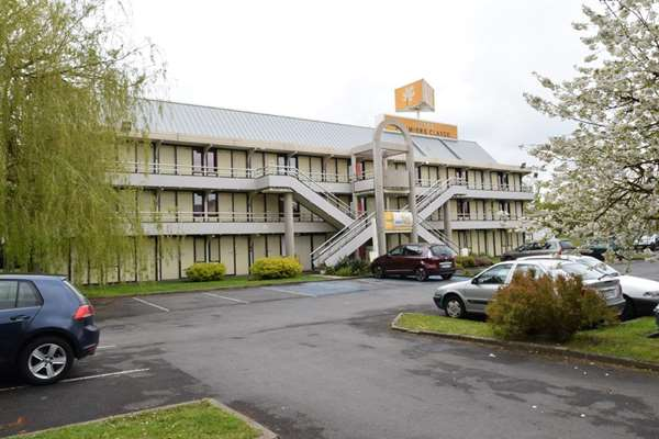 Hotel PREMIERE CLASSE LILLE SUD - Douai Cuincy