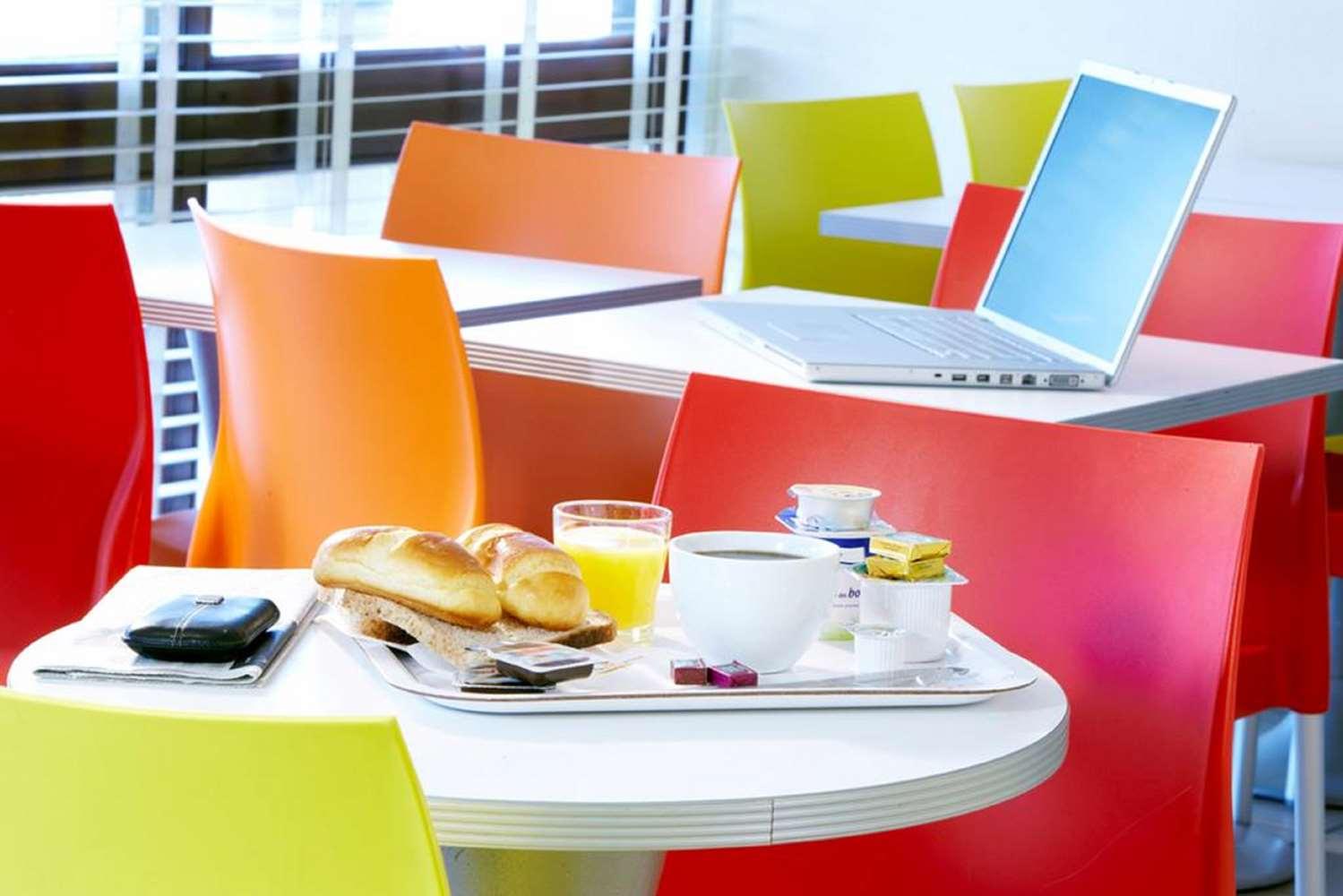 Restaurant - Hôtel Premiere Classe Dunkerque Est - Armbouts Cappel