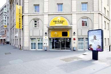 Hôtel PREMIERE CLASSE PARIS OUEST - Pont de Suresnes