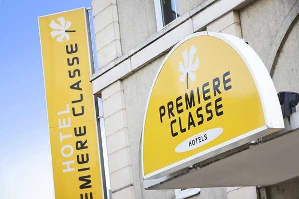 PREMIERE CLASSE PARIS OUEST - Pont de Suresnes