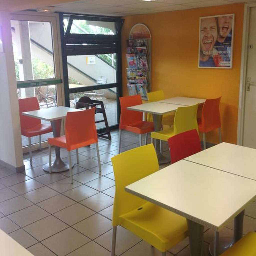 Premi re classe salon de provence proche alpilles site for 1ere classe salon